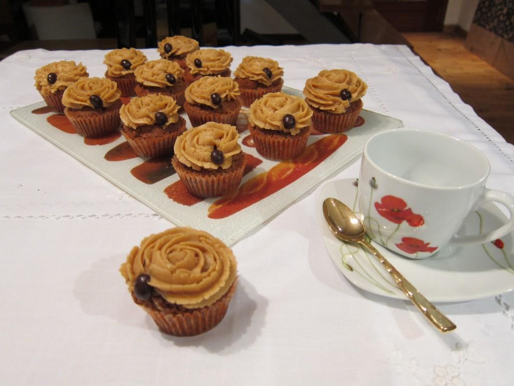 Magdalenas de café y nata | recetas