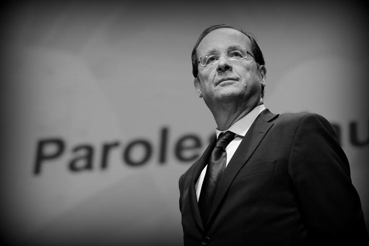 Hollande: Un señor normal que (ahora) habla en verso