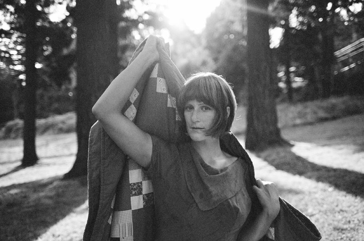 "Laura Gibson:  ""Escucho poca música, adoro el silencio"""