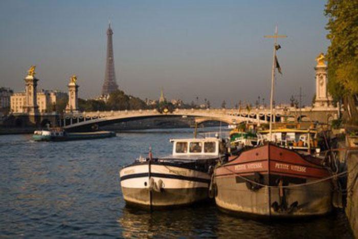 Atardecer en el río Sena