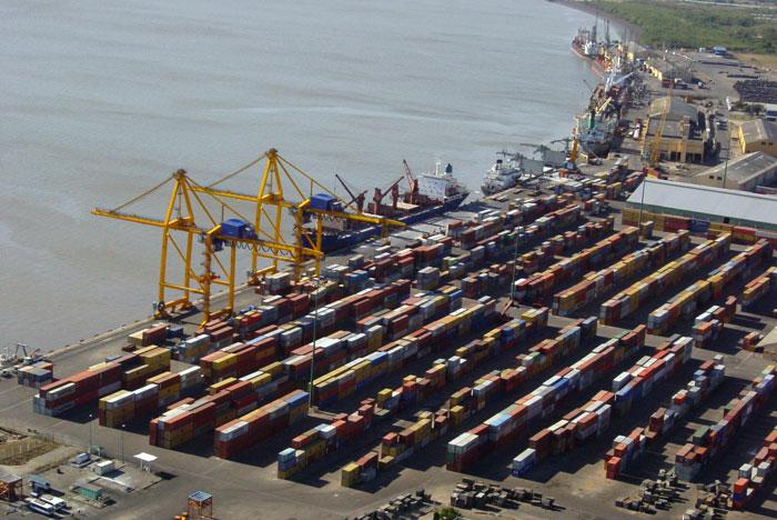 Los puertos del expolio