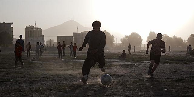 Partido de fútbol en Kabul | AP