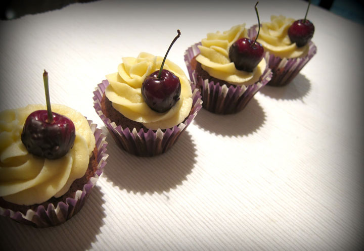 Cupcakes de cereza y chocolate