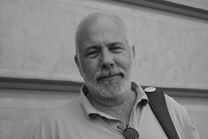"""Ramón Lobo: """"El periodismo ha renunciado a su labor de vigía. Somos copilotos de los coches oficiales"""""""