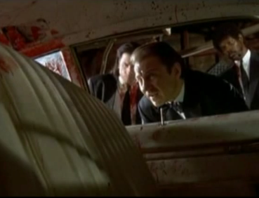 """Sr. Lobo: """"Limpiad el coche por dentro, pero sin que brille.. las ventanas son otra cosa: las quiero bien brillantes"""""""