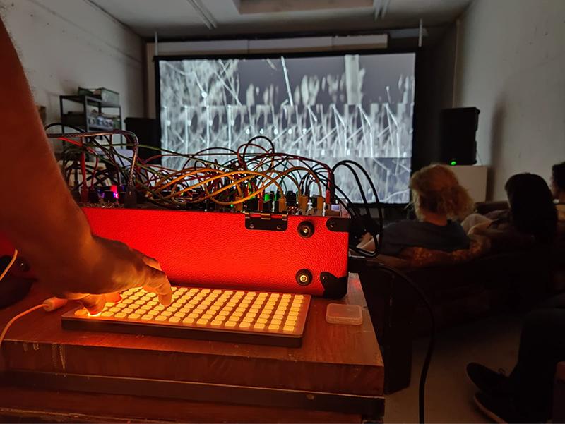 Iván Puñal, performance en el estudio de Rubén Martín de Lucas-2019