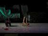 Mujer Descalza frente al Mar de Lucía Bocanegra/ La Tarasca, es un espectáculo visual que no pretende sorprendernos