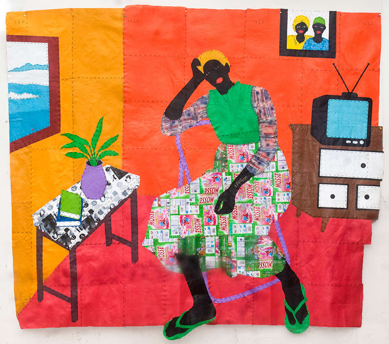 """""""WASILA"""" THE LONE GIRL, 2021 Técnica mixta con bolsas de plástico y envoltorios de comida 225 x 256 cm"""
