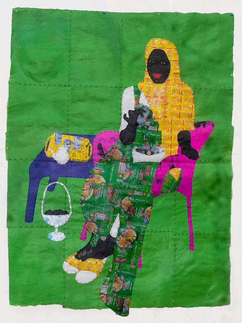 """""""ZAKIYA"""" THE ATAAYA GIRLFRIEND , 2021 Técnica mixta con bolsas de plástico y envoltorios de comida 181 x 135 cm"""